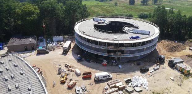 Foto juli 2019 cirkelgebouw